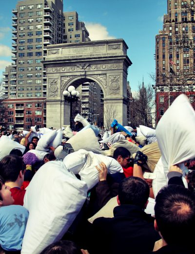 pillow_fight_nyc